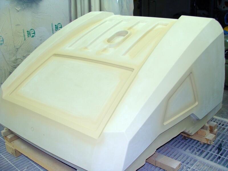 CNC Modell aus MDF, lackiert, Motorhaube