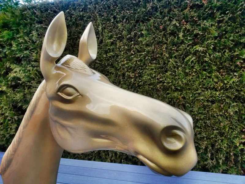 Pferdekopf Skulptur, Styroporfiguren mit GFK
